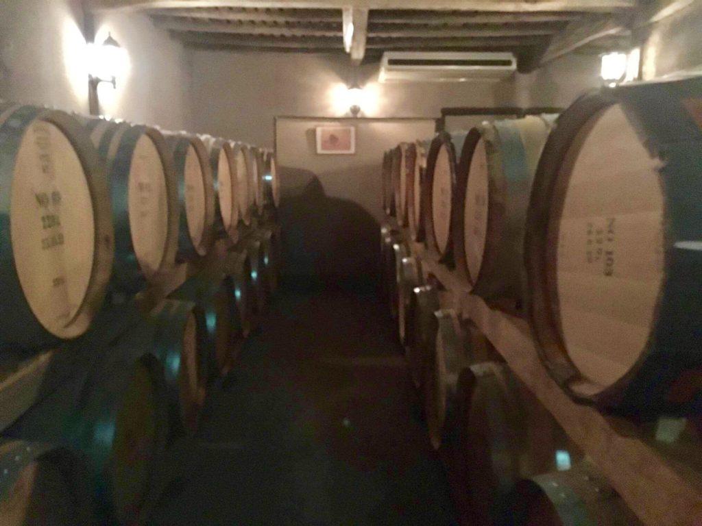 くらむぼんワインの地下セラー