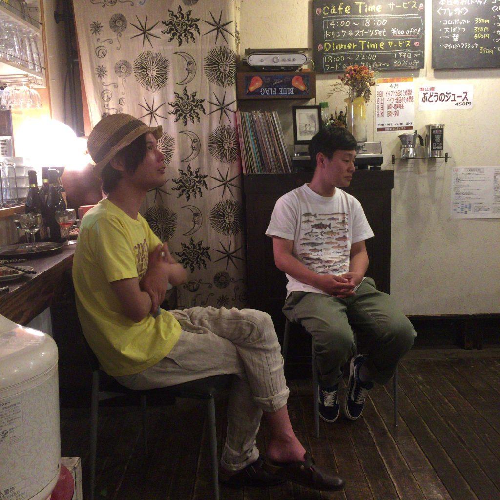 発酵デザイナーの小倉ヒラク氏と五味醤油の五味仁氏のトーク