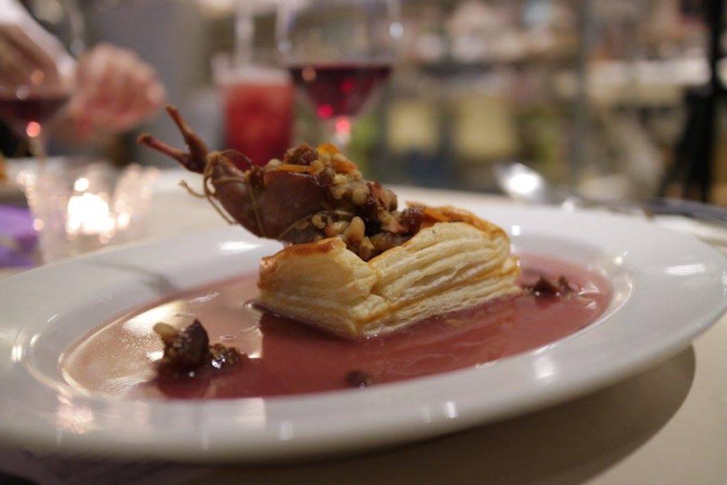 シーンを味わう#9「バベットの晩餐会」でだされたうずらの石窯風パイ