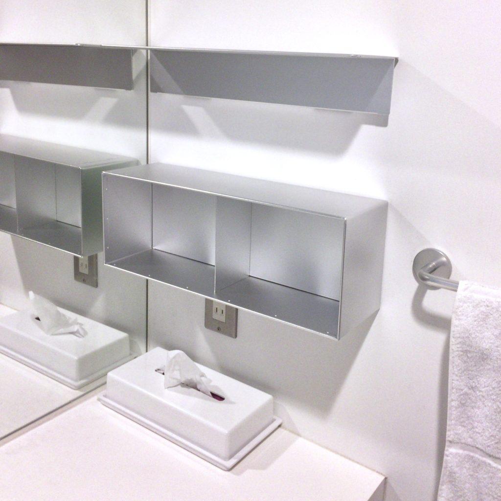 設置直後のMUJI 無印良品:壁に付けられる家具・アルミ・箱・44cm