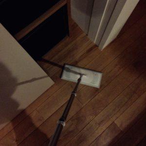 夜掃除のクイックルワイパー