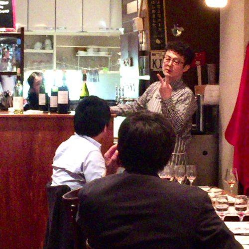 山梨・甲府にある県産ワインが飲めるフォーハーツカフェ