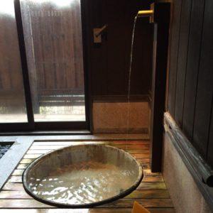 山梨・石和温泉郷「糸柳」にある奥の湯「万葉の湯」