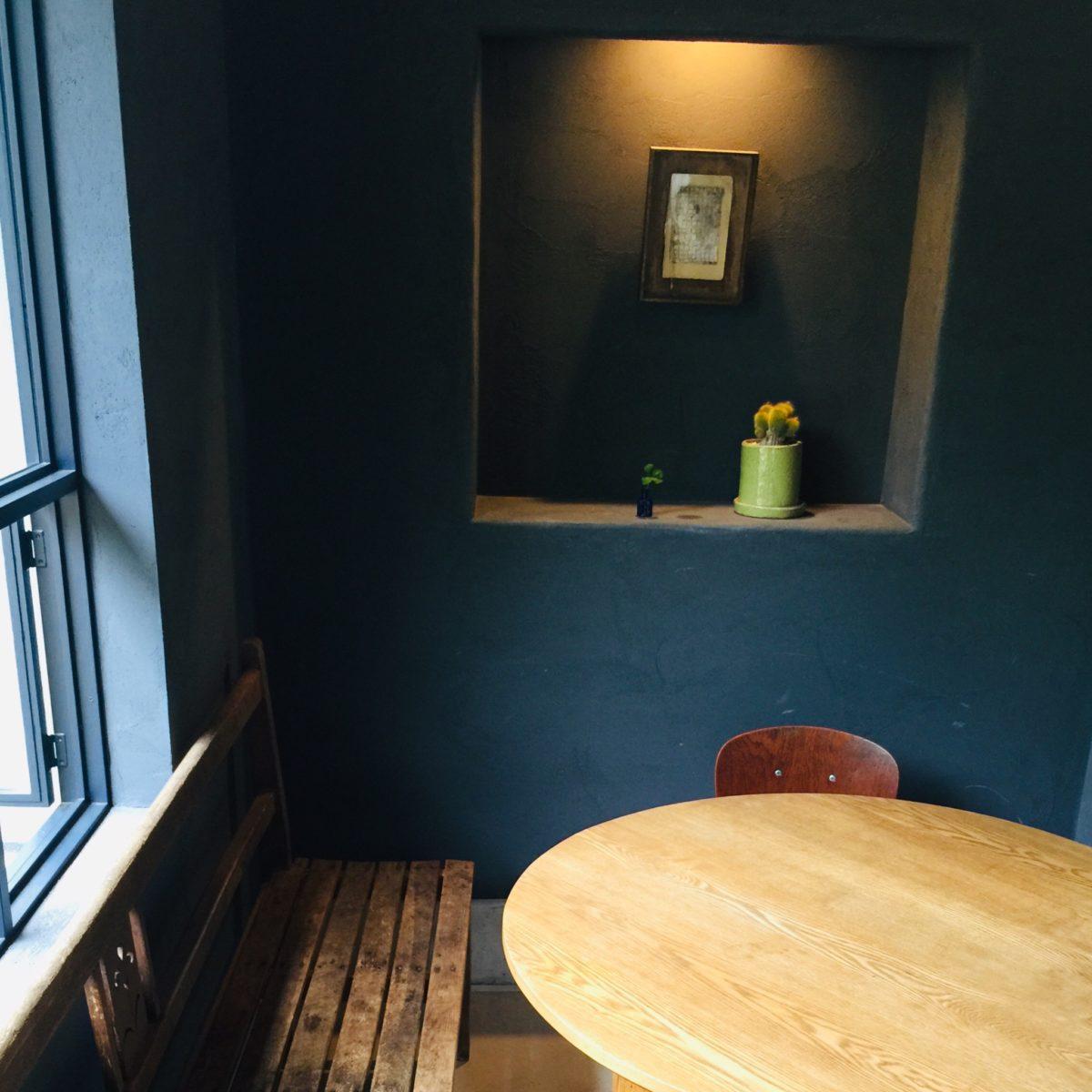 NICE TIME CAFEのラウンドテーブル席