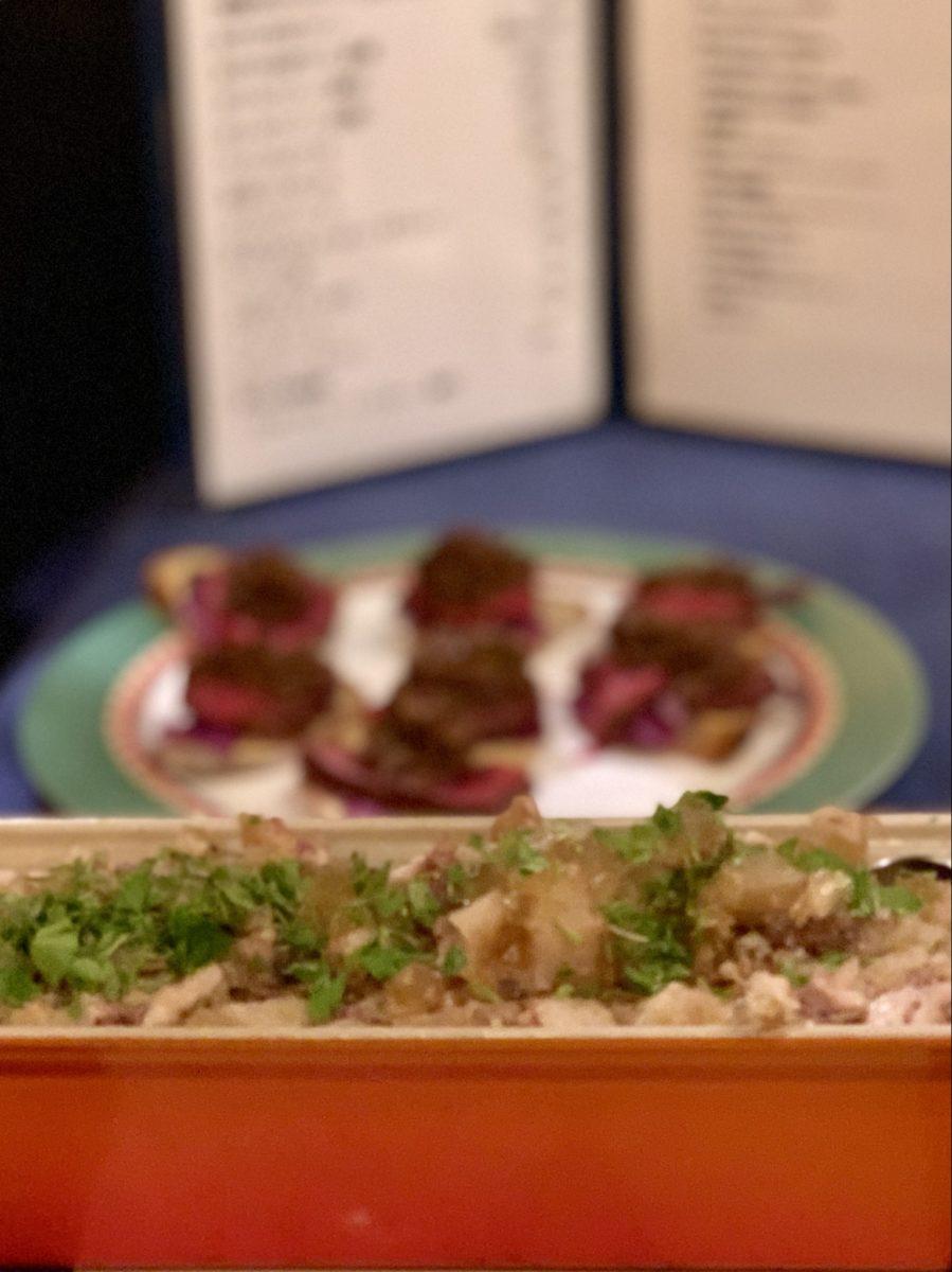 ブラッスリー山梨から。ワイン豚足ゼリー寄せ、辛味大根、京大根を合わせて。