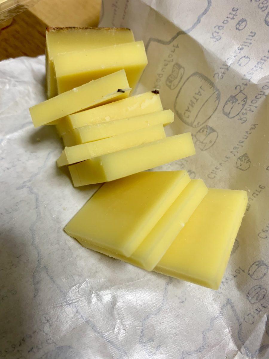チーズ専門店「アルバージュ」で買ったチーズ。