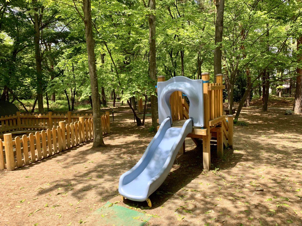 金川の森 どんぐりゾーンの冒険遊び場