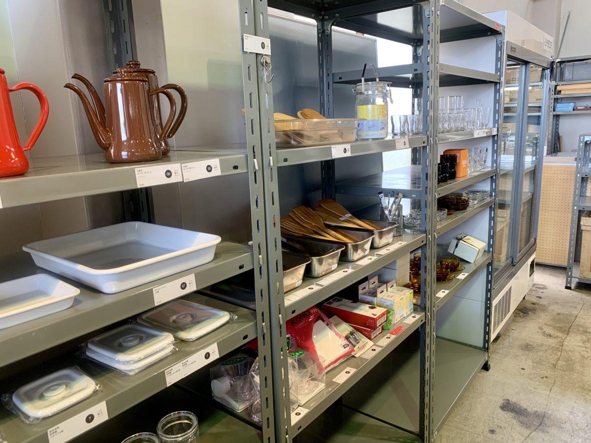 D&EPARTMENT 静岡店の食器とカトラリー