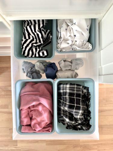 無印良品「衣装ケース」に「ポリプロピレン収納ボックス・4」とダイソー「スクエアボックス」に夏服を収納