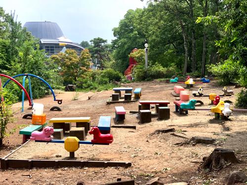 愛宕山子どもの国の幼児向けの遊具コーナー