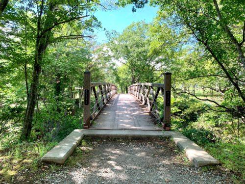 三分一湧水内の水の里公園へいく途中の橋
