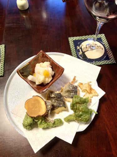 北杜市・長坂にある和食処「ひな菊」のランチメニューの揚げ物と酢の物