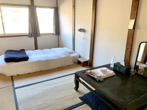富士吉田市のホステル「SARUYA」アネックスの5号室