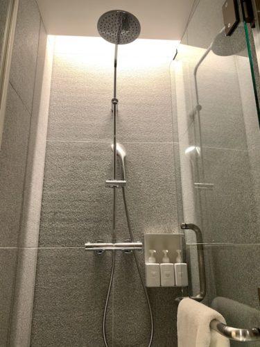MUJI HOTEL GINZAのタイプAのシャワールーム
