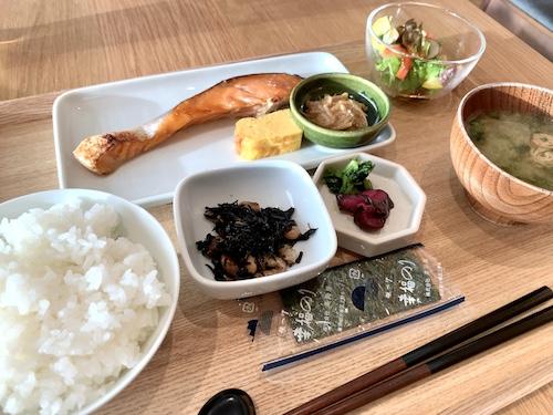 MUJI HOTEL GINZAの朝食会場「WA」の朝食